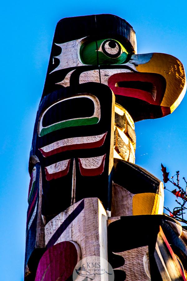 Totem in Duncan, Tofino to Victoria