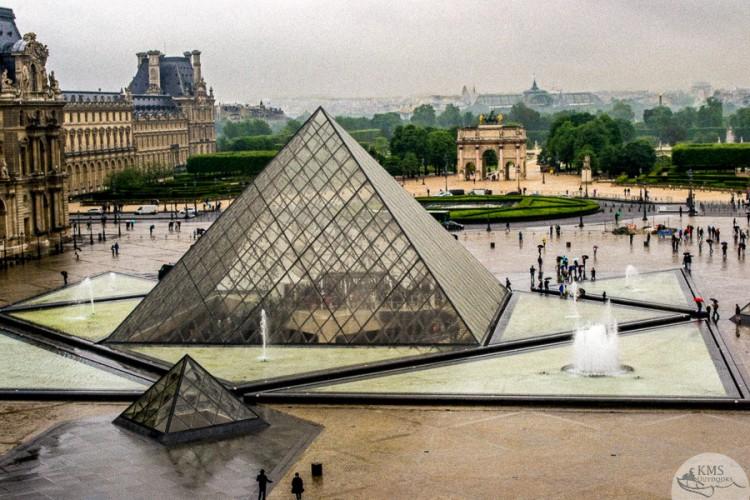 IM Pei rainy day Paris